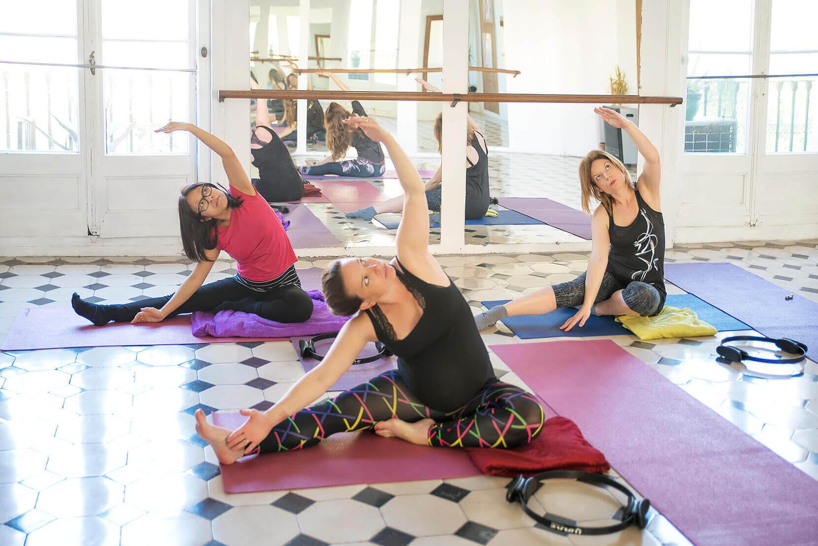 pregnancy yoga classes online barcelona prenatal classes